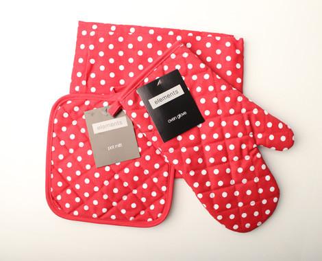 $15 for Your Choice of 3 Piece Polka Dot Apron, Glove & Pot Mitt Set
